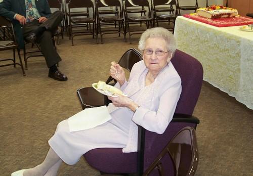 Granny_eating_cake
